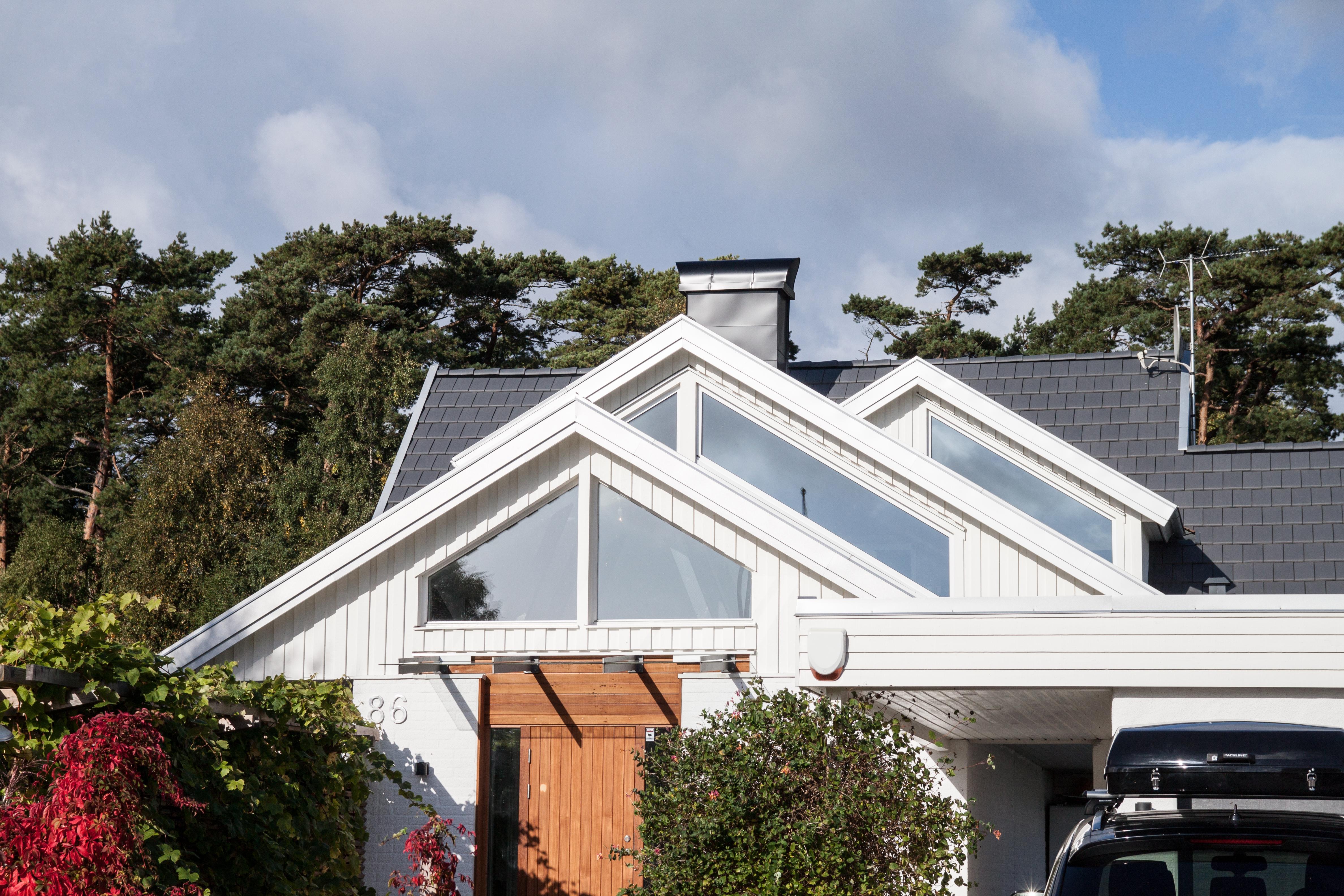 Tre kupor på tak